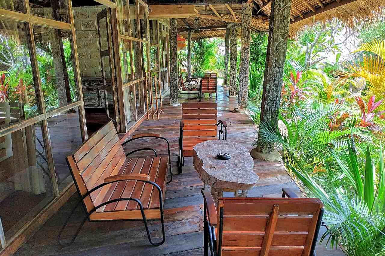 Lakeside Lodge - Verandah