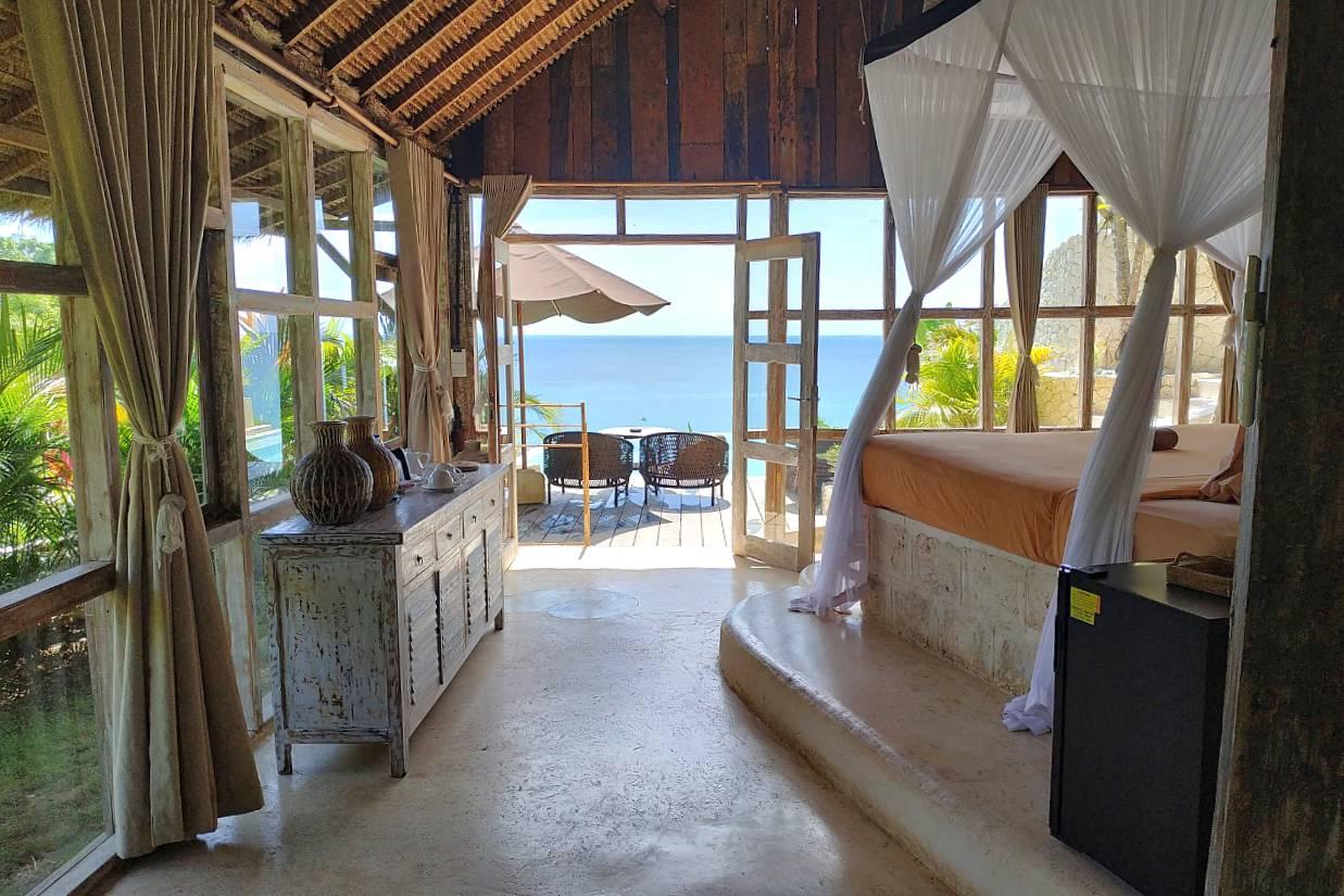 Ocean View Lodge - Garden Side View